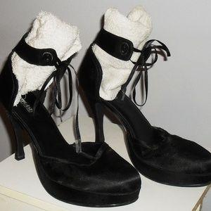 Vintage Black Ankle Strap/Cuff Pump SZ 9